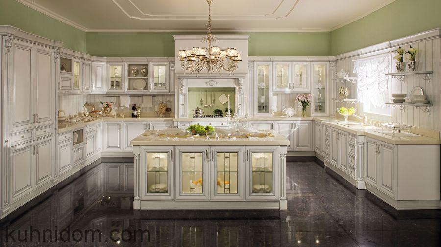 Кухня Руджери с каминным порталом