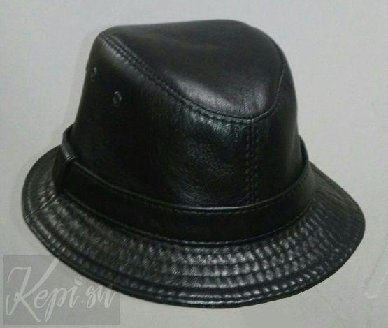 Шляпа-котелок-коженая