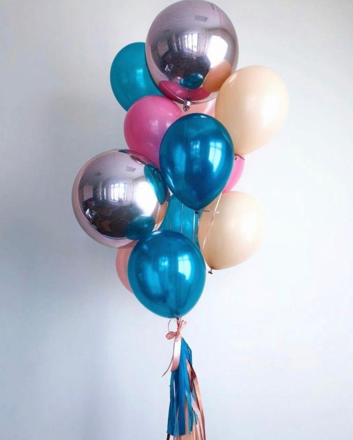 Фонтан с шаром сфера и  перламутровыми шарами