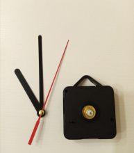 часовой механизм плавного  хода  ПРЯМЫЕ ЧЕРНЫЕ СТРЕЛКИ размер стрелок: секундная 130 мм, минутная 95 мм, часовая 65 мм шток 160 мм ( работает от батарейки АА, в комплект не входит)