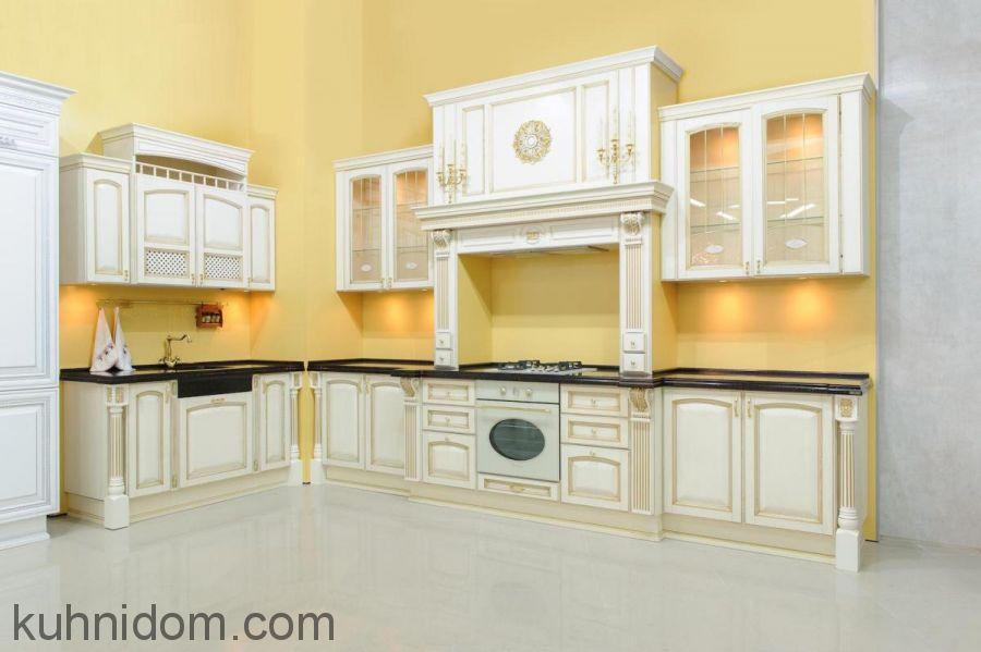 Кухня Августа (Аугуста) с порталом