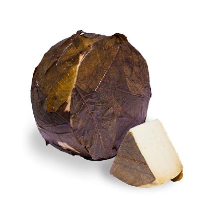 Сыр Капра в ореховых листьях