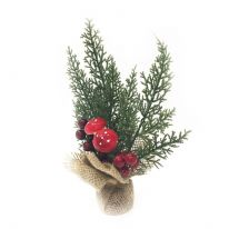 Новогодняя икебана Туя, с миниатюрными грибочками и средними ярко-красными ягодами.
