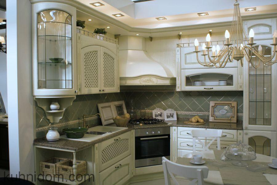 Кухня Роза декапе с угловой вытяжкой