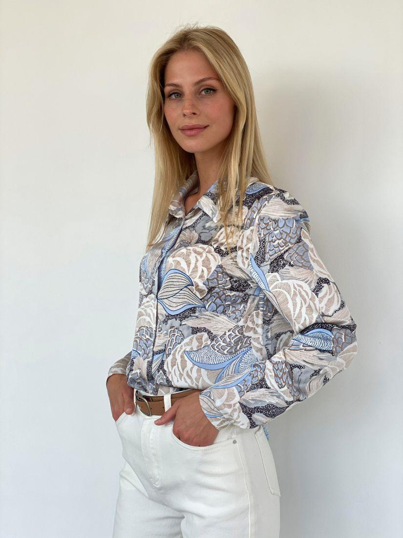 s2113 Рубашка классическая с голубой абстракцией