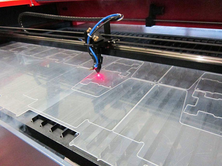 Лазерная резка листового материала