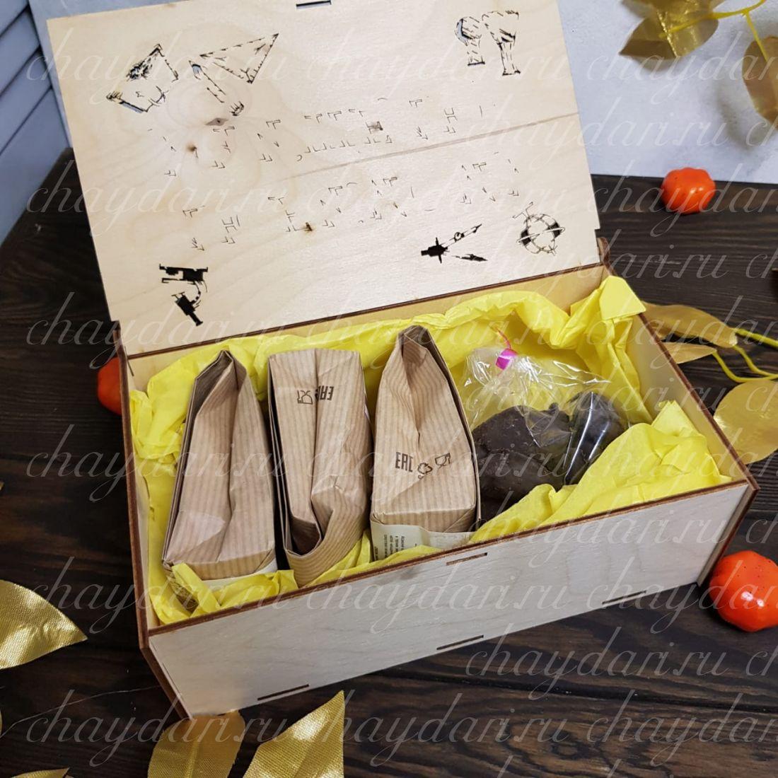 """Деревянная коробка из чая и сладостей """"Любимый учитель"""""""