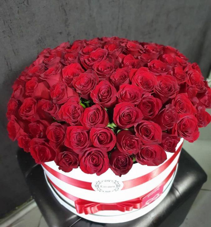 101 импортная роза в коробочке