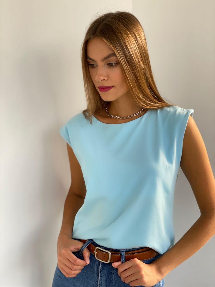 s2645 Базовая голубая футболка с квадратными плечами