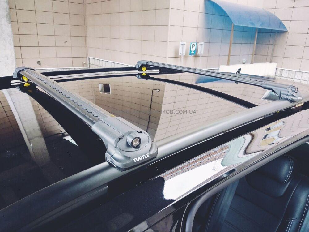 Багажник на крышу Turtle Air 1 (122 см), аэродинамические дуги на рейлинги (чёрный цвет)
