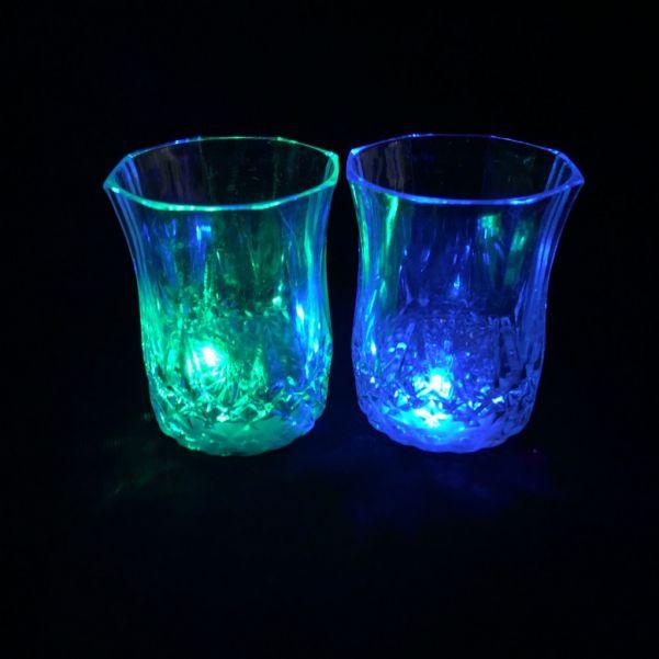 Мерцающая рюмка Light-up Liquid Activated Glass, 70 мл