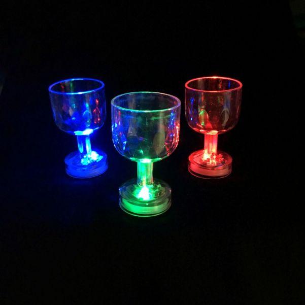 Мерцающая рюмка на ножке Light-up Liquid Activated Glass