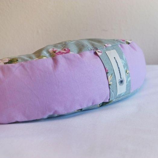 """Подушка-полумесяц для медитации """"Нежность"""""""