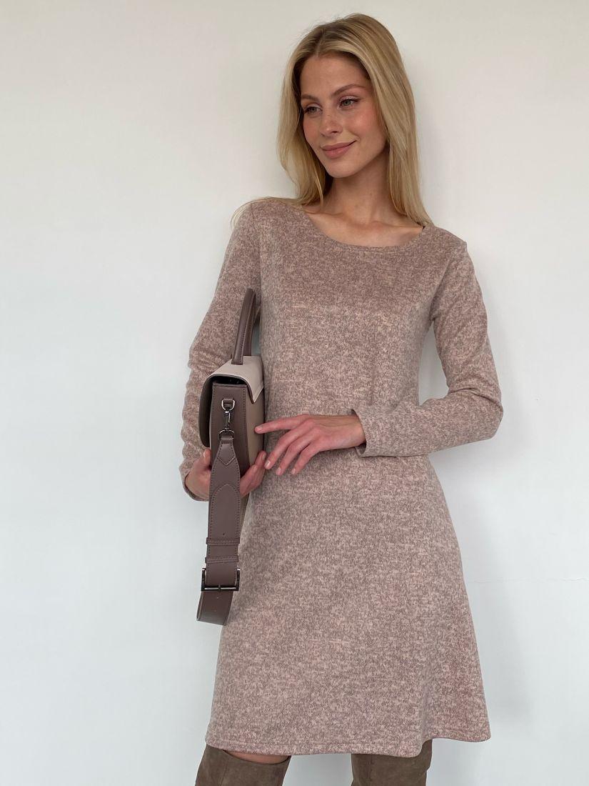 m635 Платье из мягкого вязаного трикотажа