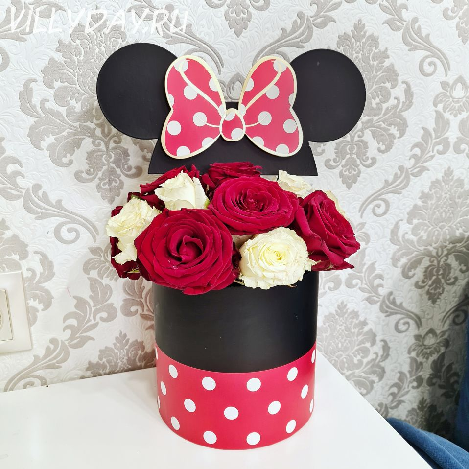 """Коробка с цветами """"Микки"""""""