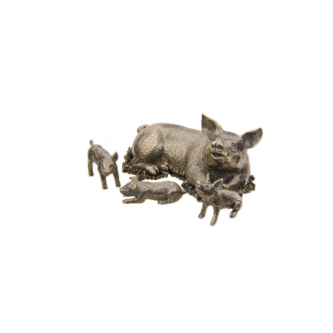 Свинья с поросятами