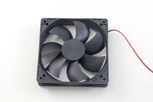 Осевой вентилятор корпусной 120х120х25мм 12В