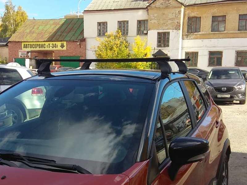 Багажник на крышу Renault Kaptur, Атлант, стальные прямоугольные дуги (в пластике)