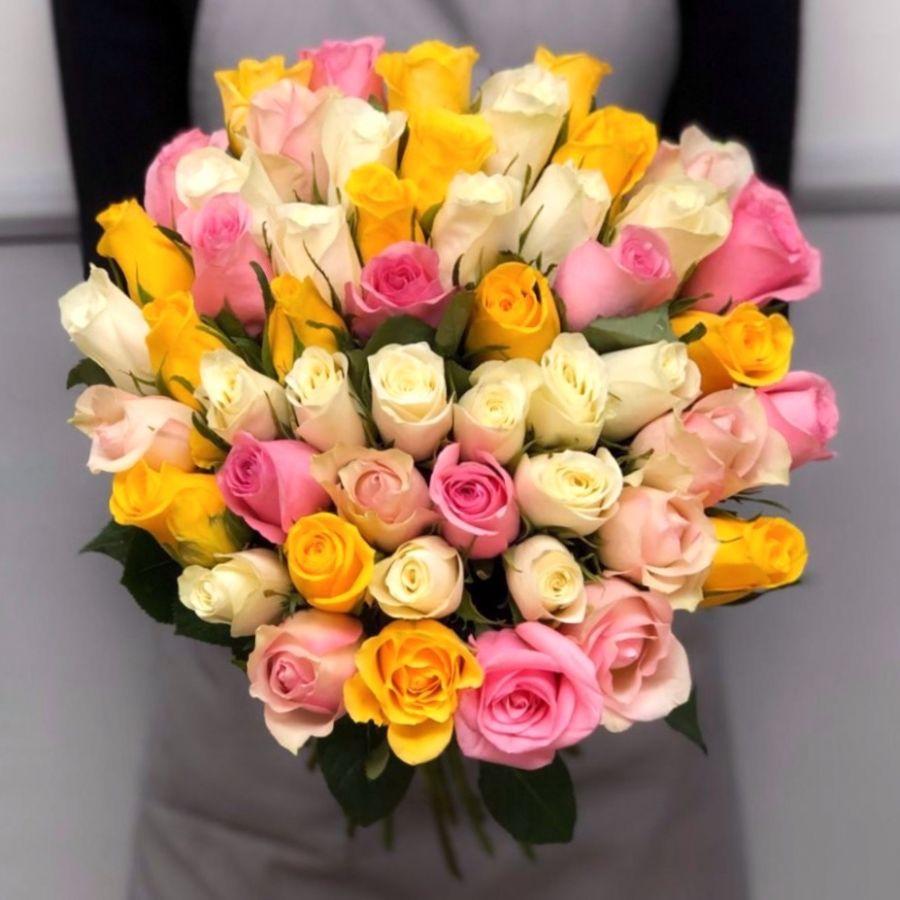 51 роза микс (Кения) по ленту