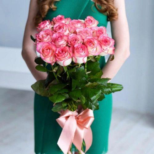Букет из 15 роз Джумилия