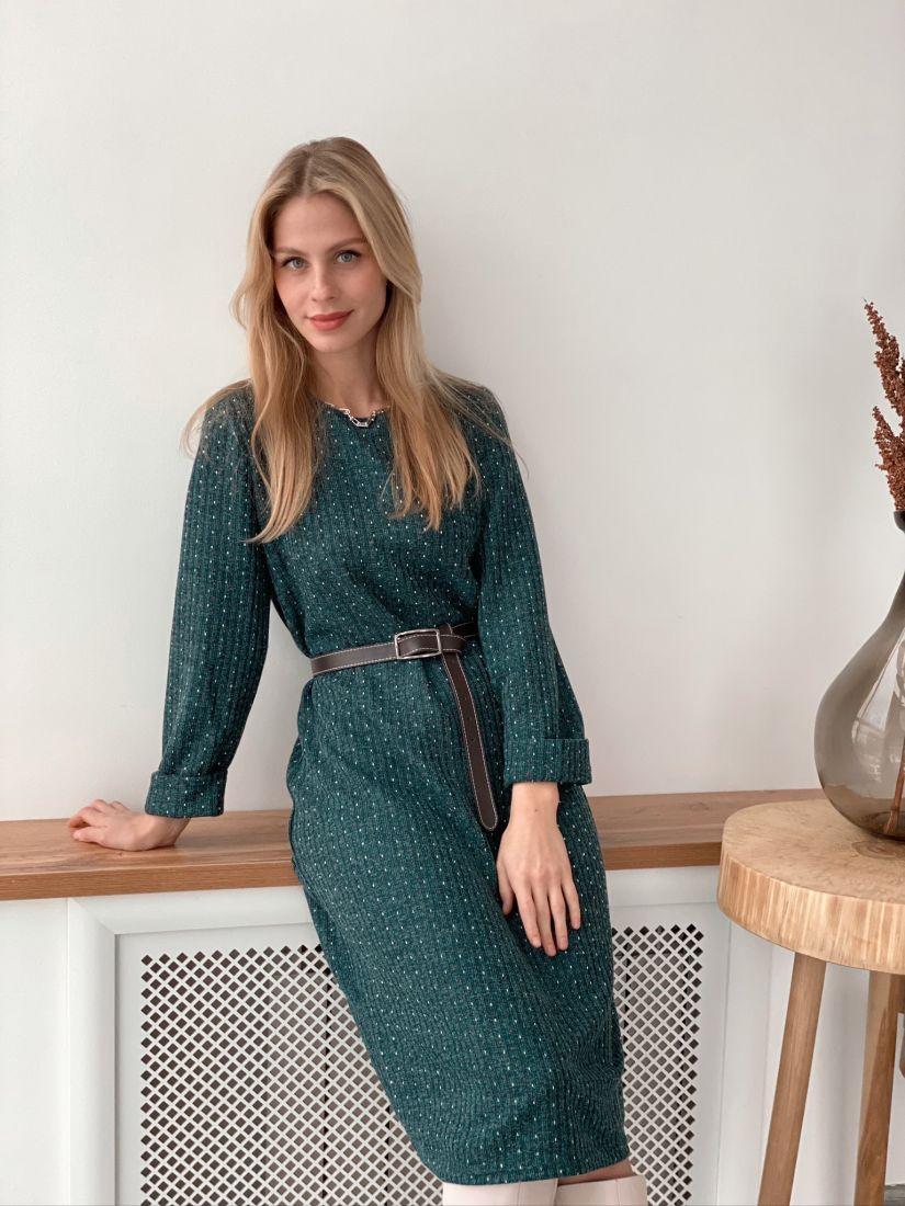 s3027 Платье-кокон из трикотажа в крапинку изумрудное