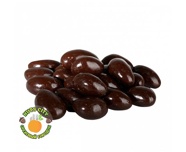 Бразильский орех в темном шоколаде