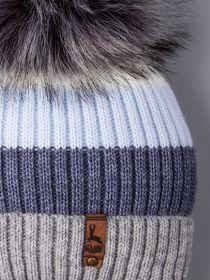 РБ 00-0021823 Шапка вязаная для мальчика с помпоном на завязках, цветные полосы, на отвороте нашивка, голубой