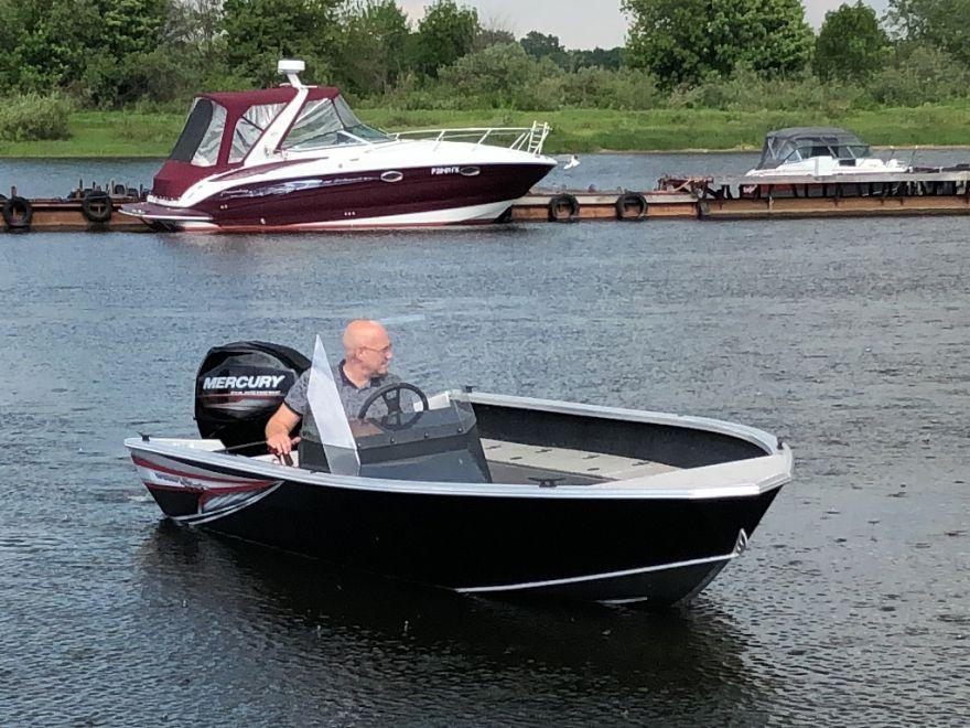 Лодка WINDBOAT 4.5С EvoFish (1 консоль)