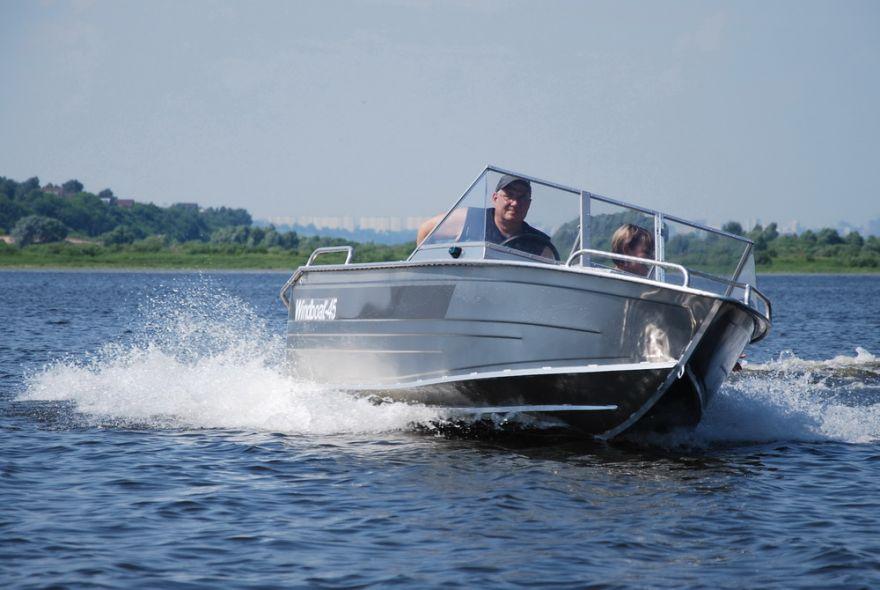 Лодка WINDBOAT 4.5 Pro (капот)