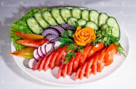 Овощное ассорти плеттер