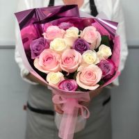 15 роз Эквадор 60 см в красивой упаковке