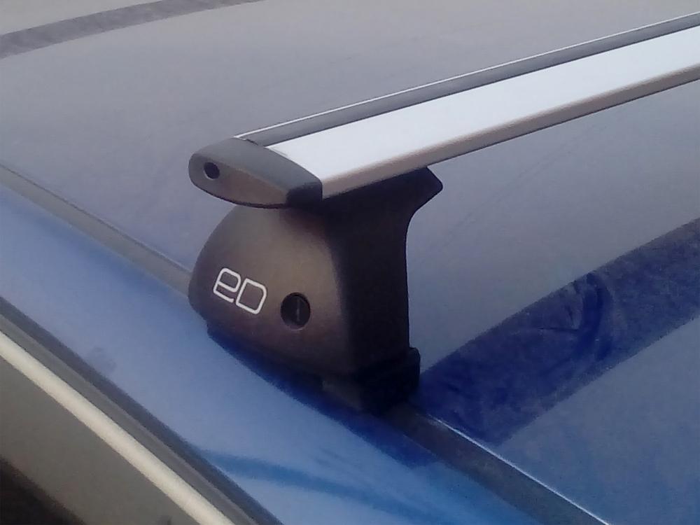 Багажник на крышу Hyundai i30 hatcback, Евродеталь, крыловидные дуги