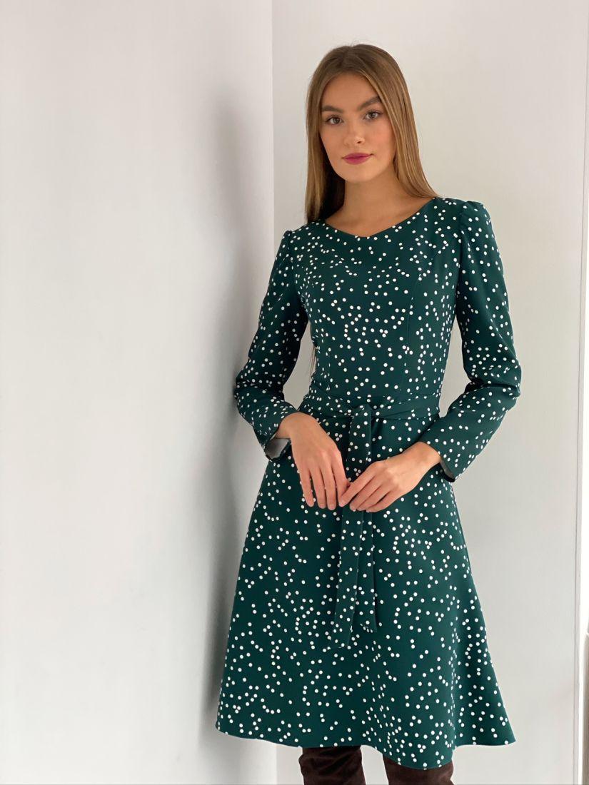 s3107 Платье с рельефами зелёное в горох