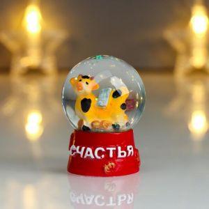 "Сувенир полистоун водяной шар ""Бычок с монетками"" МИКС 6х4,3х4,3 см   5045944"