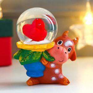 """Сувенир полистоун водяной шар """"Бычок с цветочком-сердечком"""" d=4,5 см   5035066"""