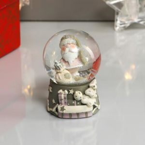 "Сувенир полистоун водяной шар ""Дед Мороз в розовом кафтане с подарками"" d=4,5см 6х4,5х4,5 см   48221"
