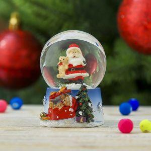 "Сувенир полистоун водяной шар ""Дед Мороз с мишкой"" 6,5х5х4,5 см  3244414"