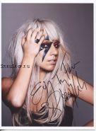 Автограф: Леди Гага