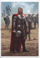 Автограф: Крис Хемсворт. Тор 2: Царство тьмы