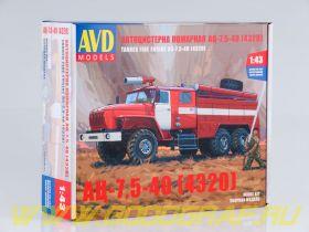 Сборная модель Пожарная цистерна АЦ-7,5-40 (4320)