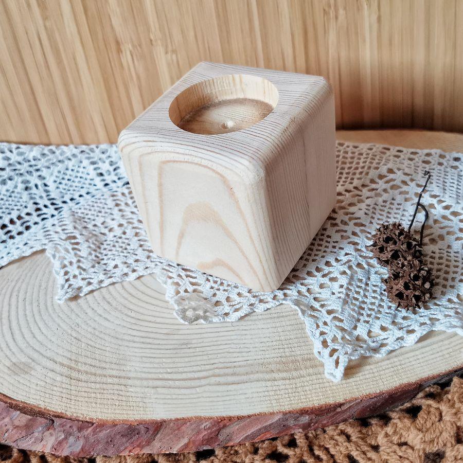 Подсвечник кубик из сосны, 8*8*8 см