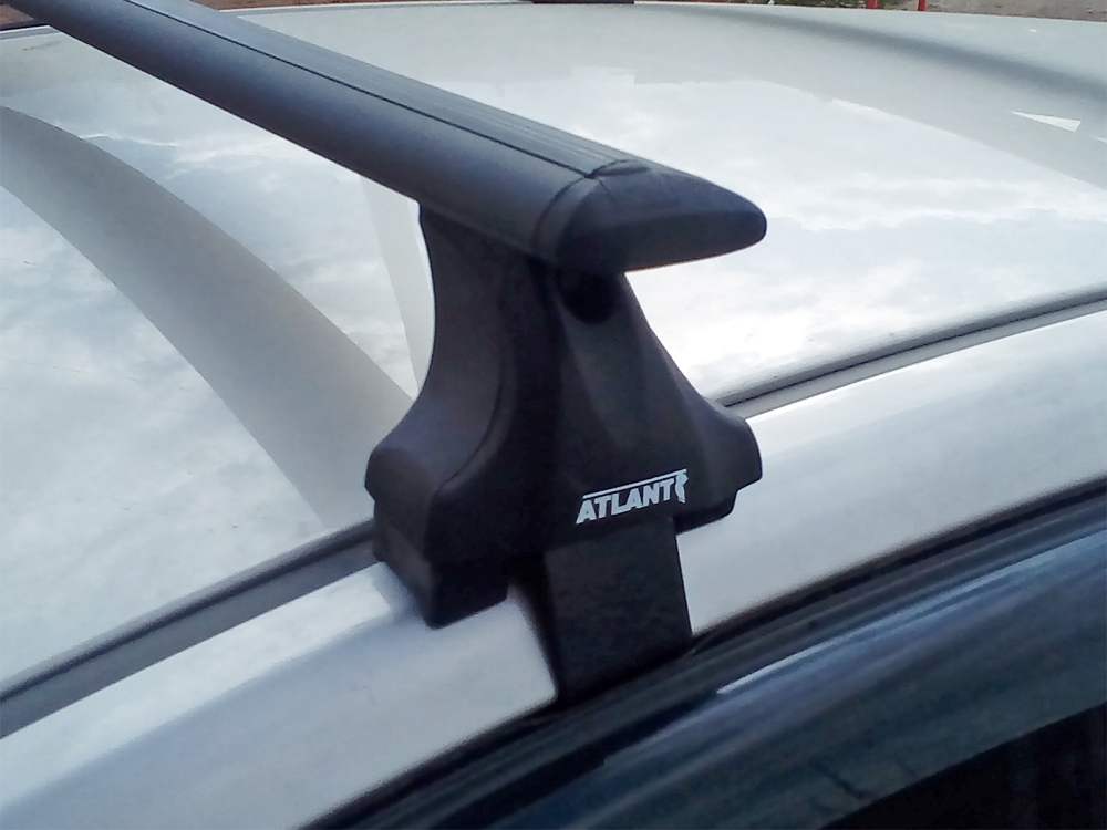 Багажник на крышу Volkswagen Golf 7, Атлант, крыловидные аэродуги (черный цвет)