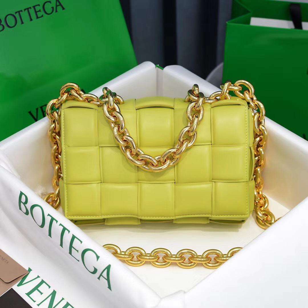 Bottega Veneta The Chain Cassette 26 cm
