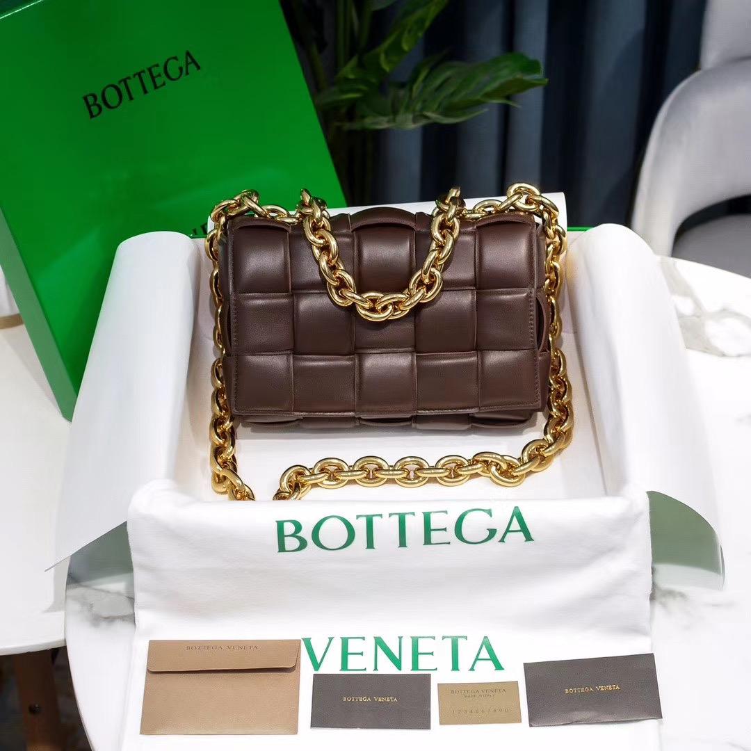 Bottega Veneta The Chain Cassette 26 cm