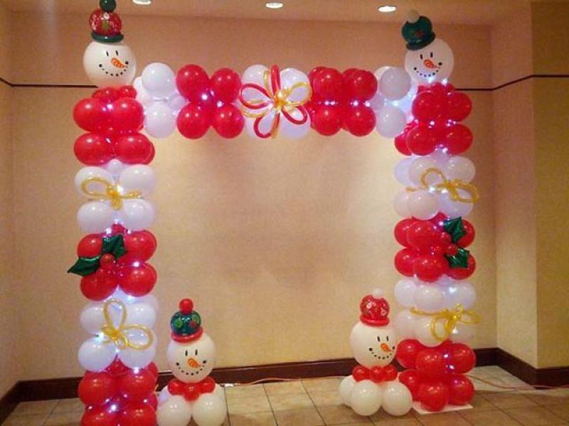 Арка из шаров Снеговики на Новый год