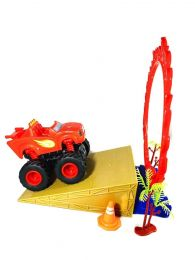 Инерционная машинка Вспыш и чудо машинки в наборе с конусами , огненным кольцом ,пальмами и взлётной горкой для трюков