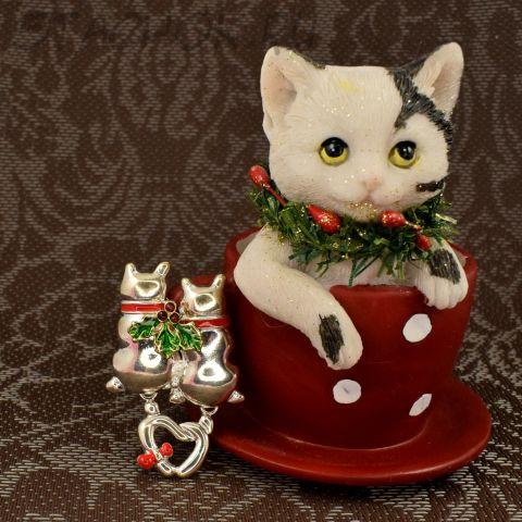 """Брошь """"Котики на Новый год"""" (США)"""