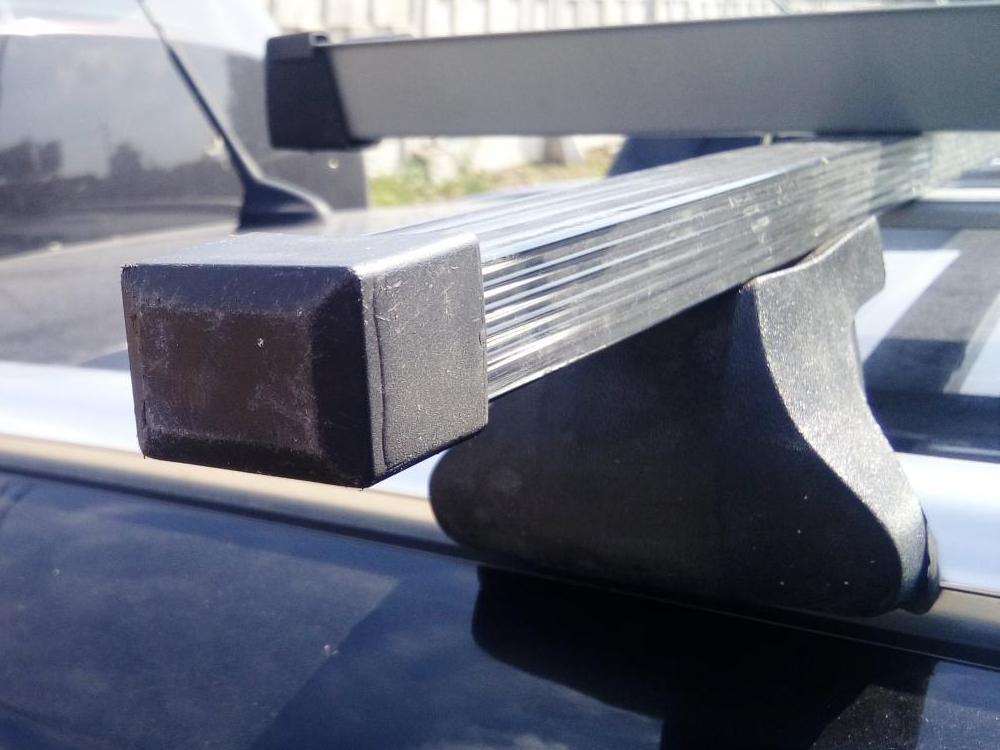 Багажник на крышу Ford Focus 3 sw universal 2011-..., Amos Alfa, стальные прямоугольные дуги на интегрированные рейлинги