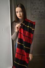 тёплый шарф с кистями 100% шерсть мериноса,  расцветка клана Уоллес (Храброе сердце). 100% Ultrafine Merino Wool Wallace, средняя плотность 5