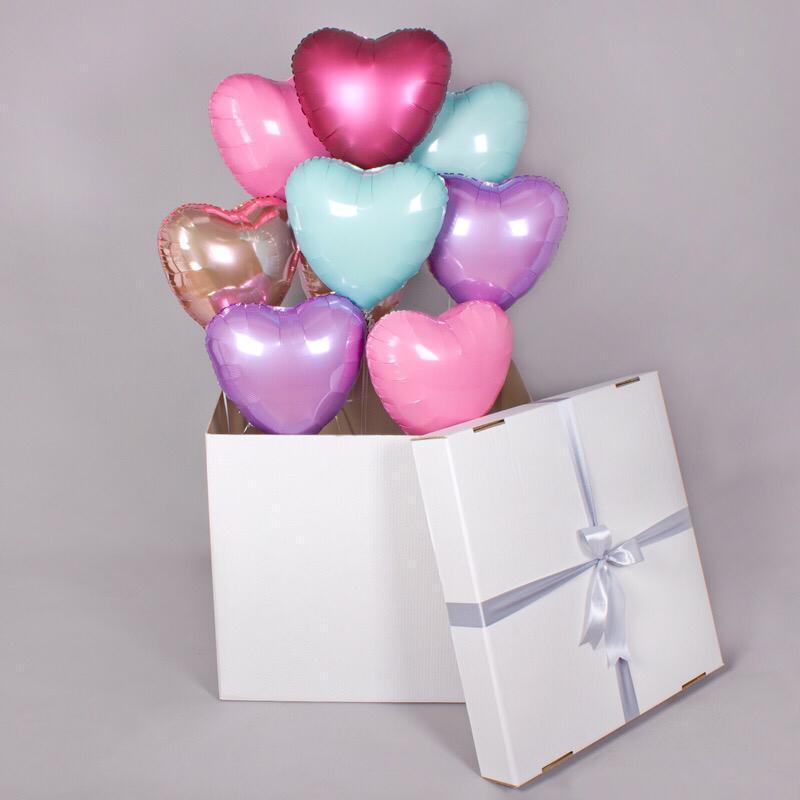 Коробка-сюрприз  60*60*60  с шарами в форме сердца